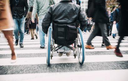 Zdravljenje z elektriko: Invalid shodil s pomočjo vgrajene elektrode