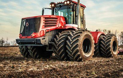 Ruski traktorji: od dela na polju do čiščenja letalonosilke