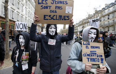 Protivladni protesti v HAITIJU in FRANCIJI. Odsvetujemo potovanje!