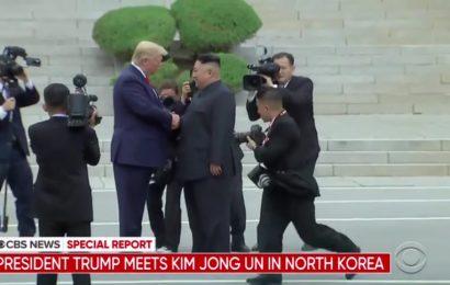 Trump kot prvi predsednik ZDA obiskal Severno Korejo