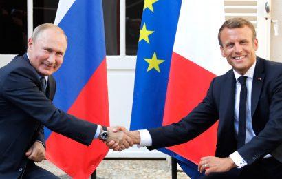 Vladimir Putin na obisku v Franciji