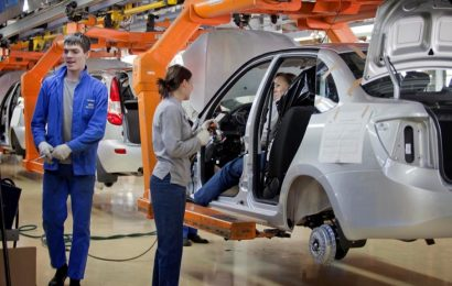 """Lada Priora postala """"najboljši"""" avto za ruske upokojence"""