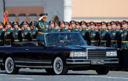 Zvezda vojaške parade: Kabriolet ruskega obrambnega ministra