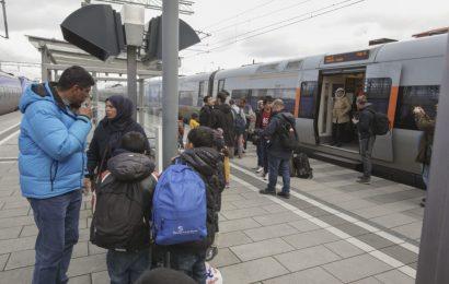 Švedska občina Bengtsforts tik pred bankrotom! Migranti ne delajo ampak povzročajo stroške!