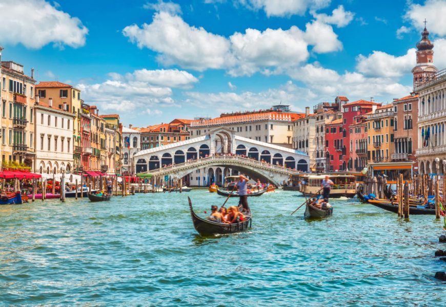 Vedno manjše Beneško prebivalstvo  se sooča  z vedno  večjimi  težavam