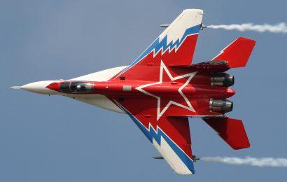 Strmoglavljenje ruskega vojaškega letala MiG-29K v Indiji