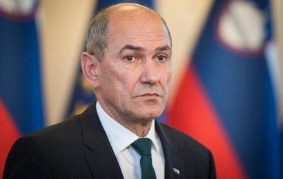 Predsednik vlade Janez Janša skupaj z ministri predstavil protikorona paket za pomoč prebivalstvu in gospodarstvu