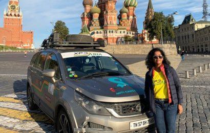 Ta ženska se je na pot iz Indije v Rusijo odpravila… z avtomobilom