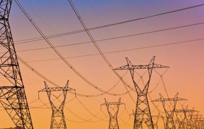 Nižji računi za elektriko za gospodinjske odjemalce in male poslovne odjemalce