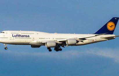 Vlada sprošča ukrepe na področju mednarodnega zračnega prometa