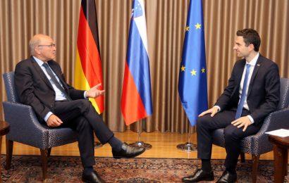 Minister Tonin sprejel veleposlanika Zvezne republike Nemčije Klausa Riedla