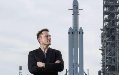Ali Rusija izgublja vesoljsko tekmo proti Elonu Musku?