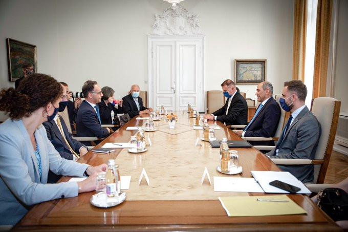 Predsednik vlade Janez Janša na srečanju z nemškim zunanjim ministrom Heikom Maasom