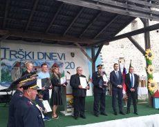 Minister Tonin ob občinskem prazniku obiskal Žužemberk