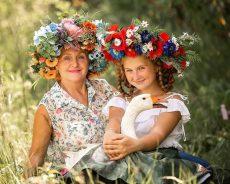 Mlada zeliščarka, ki zna iz ene rastline pripraviti 10 jedi (FOTO)
