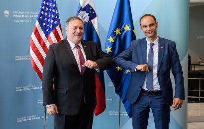 Pogovor med zunanjim ministrom Logarjem in državnim sekretarjem Pompeom ob začetku bilateralnega obiska v Sloveniji