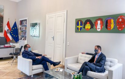 Minister dr. Logar na Dunaju z zunanjim ministrom Schallenbergom