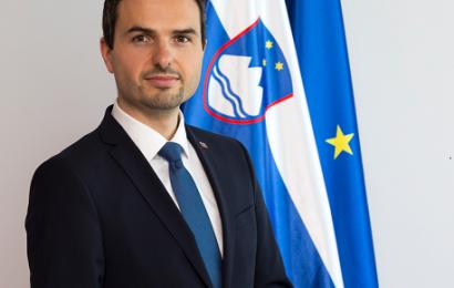 Minister mag. Matej Tonin obiskal Verifikacijski center in Orkester Slovenske vojske