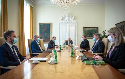 Predsednik vlade Janez Janša z avstralskim ministrom za finance Mathiasom Cormannom
