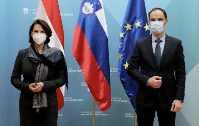Obisk avstrijske zvezne ministrice za Evropsko unijo Karoline Edtstadler potrdil dobro sodelovanje sosednjih držav