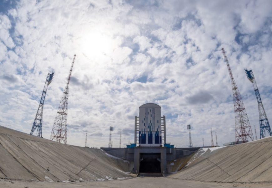 Ruski vesoljski načrti za 2021: Dograditev kozmodroma Vostočni in misija na Luno