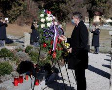 Predsednik Pahor na Stranicah položil venec k Spomeniku frankolovskim žrtvam