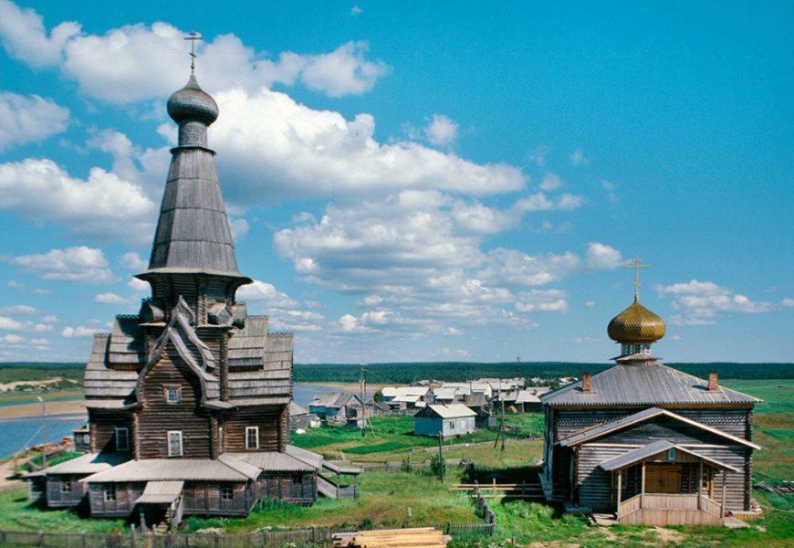 Edinstvena lesena svetišča na obali Belega morja