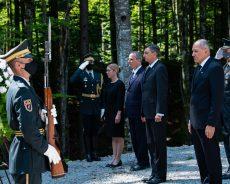 Predsednik vlade Janez Janša in predsednik države Borut Pahor na spominski slovesnosti v Kočevskem Rogu