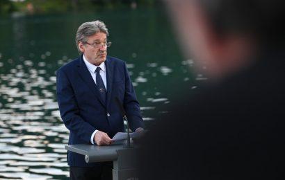Govor ministra dr. Simonitija ob krstni uprizoritvi Povodnega moža na Blejskem otoku